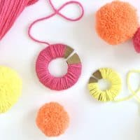 Learn How to Make Your Own Yarn Pom-Poms